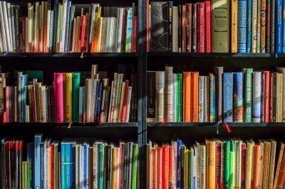 books bookcase cliché